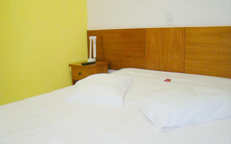 http://hotelbaguassu.com.br/images/stories/ap/ap_01.jpg