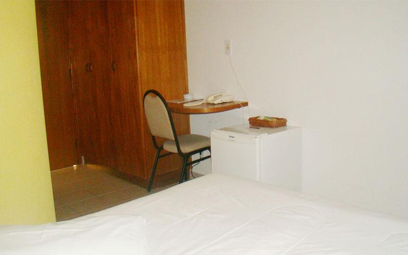 http://hotelbaguassu.com.br/images/stories/ap/ap_02.jpg