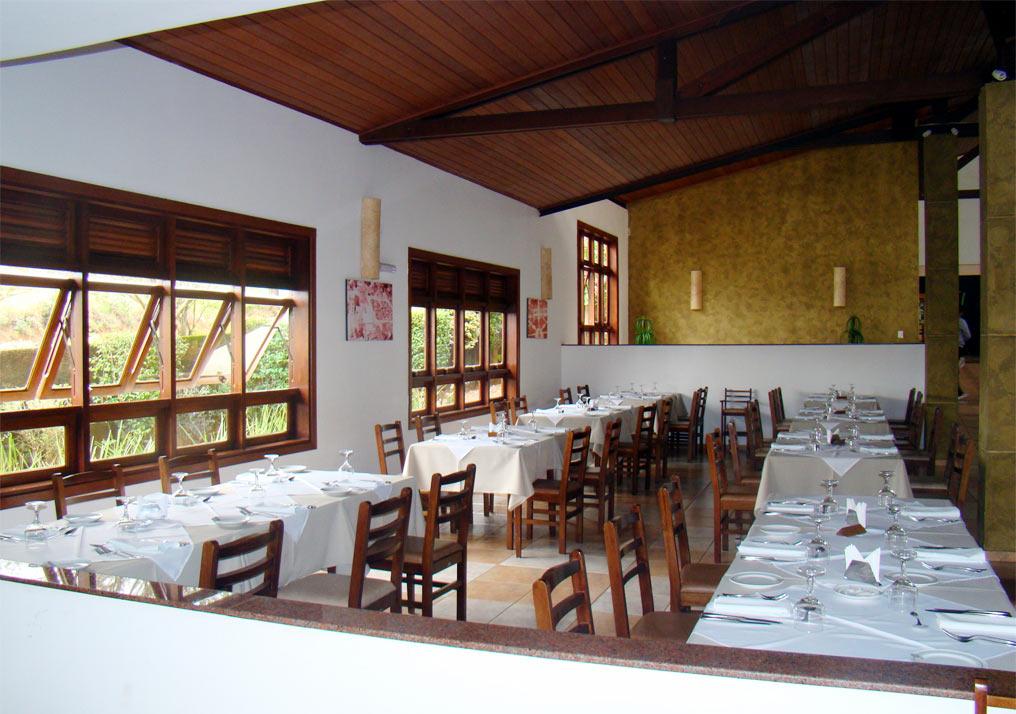 http://hotelbaguassu.com.br/images/stories/freguesia/rest_08.jpg