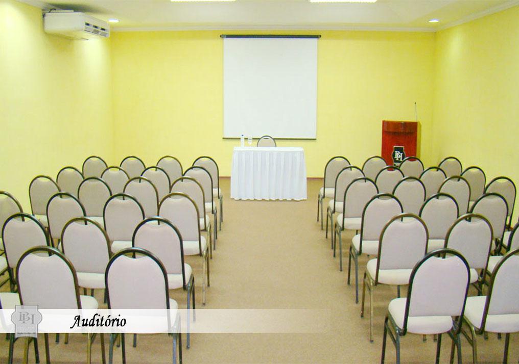 http://hotelbaguassu.com.br/images/stories/interior/hotel_14.jpg