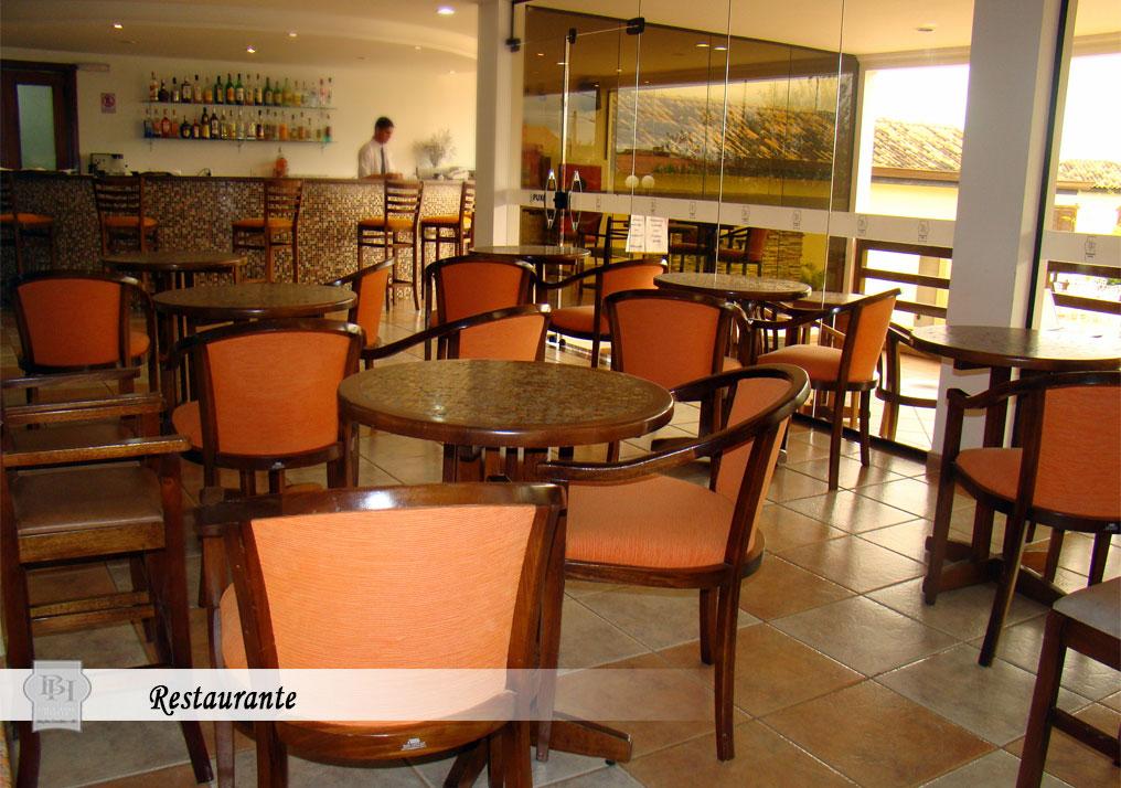 http://hotelbaguassu.com.br/images/stories/interior/hotel_22.jpg